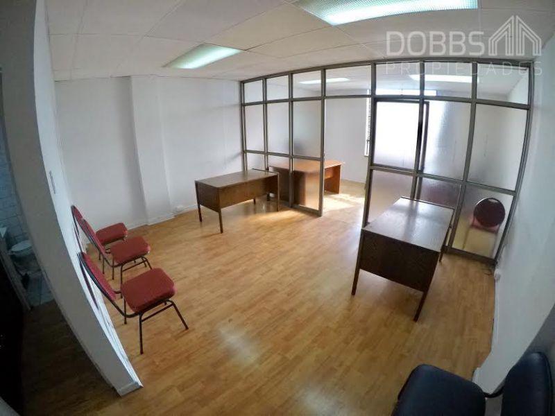 Se Arrienda Estupenda Oficina en Plaza de Armas de Concepción
