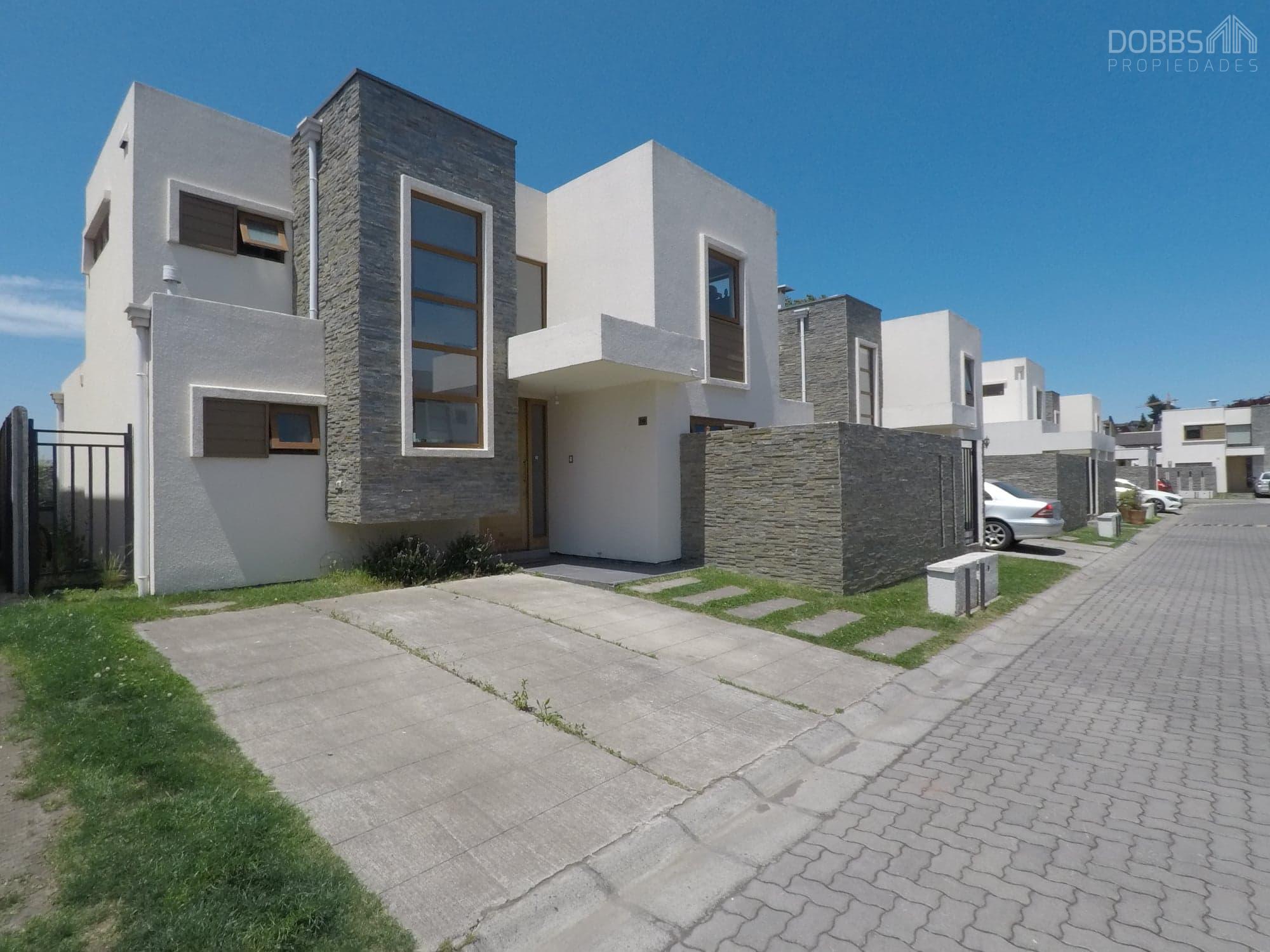 Lomas San Andrés, Hermosa Casa