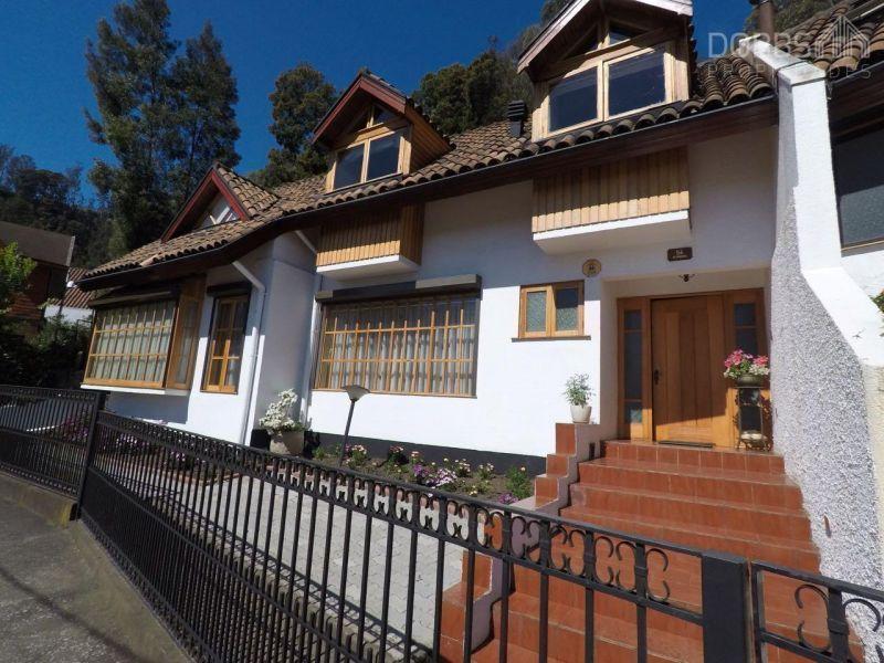 Pedro de Valdivia, Gran casa